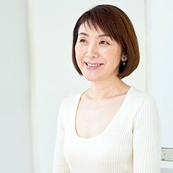 プレ更年期の人にも聴いて欲しい!斉藤万奈の「自分でできるゆらぐ肌と心のケア」